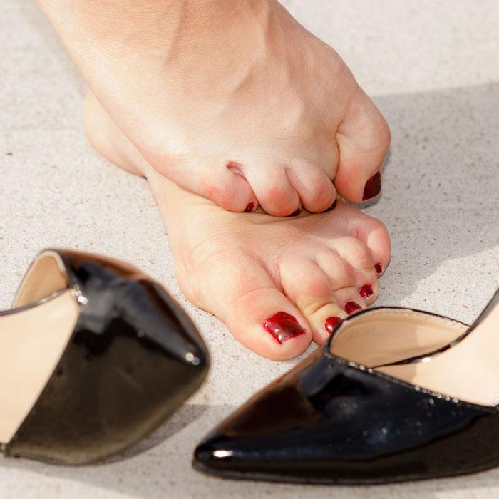 ízületi gyulladás cipő viselése miatt)