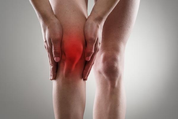 a lábak duzzanata térd artrózissal)