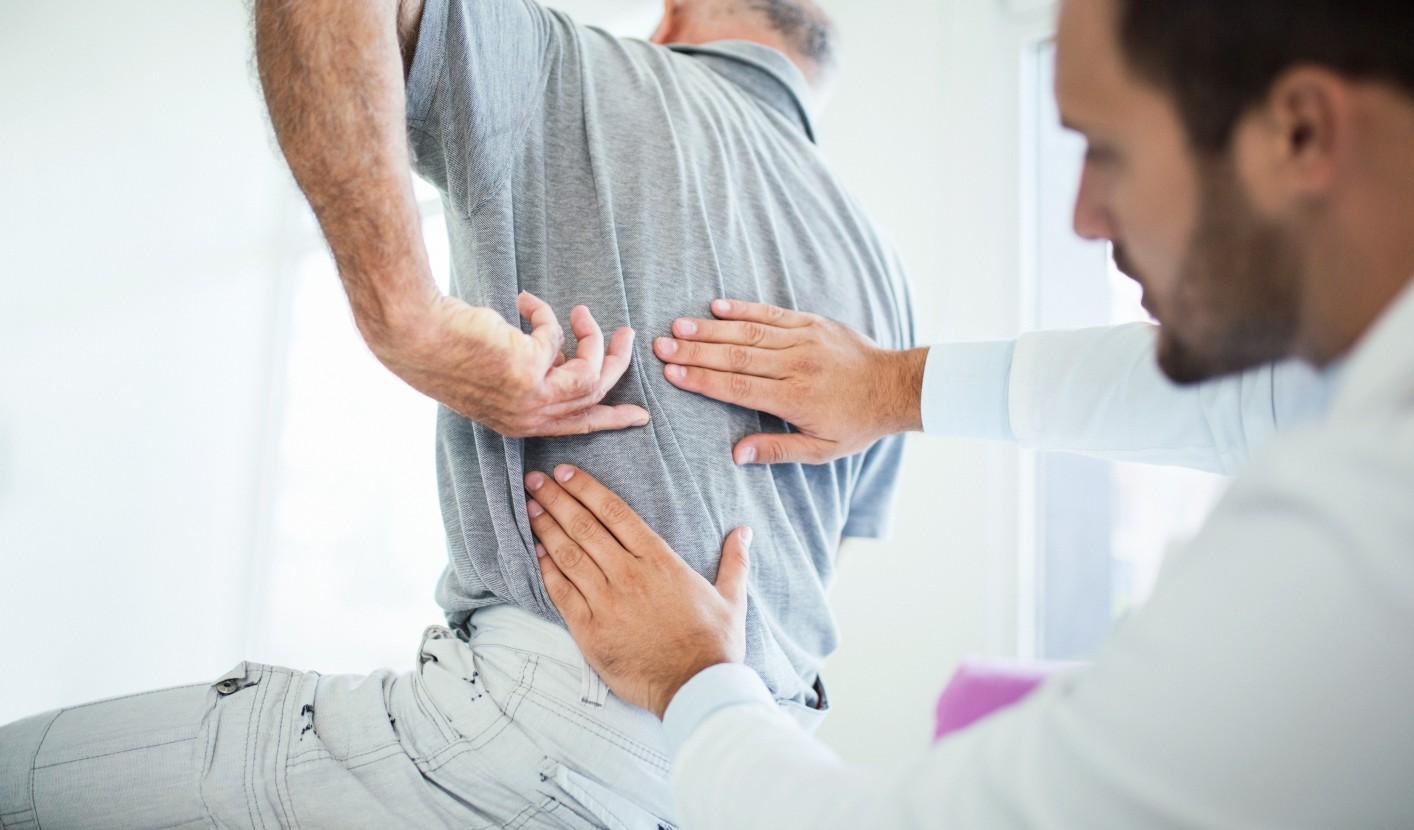 15 hatásos gyakorlat a hát ellazítására és a hátfájás enyhítésére
