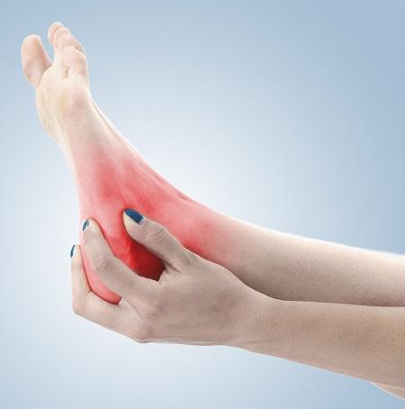 hogyan lehet gyorsan enyhíteni a boka fájdalmát kézkezelés csuklógyulladása