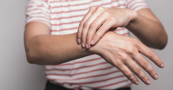 Az ujjak ízületei fájnak. Amikor a hüvelykujj fájdalma zavar téged