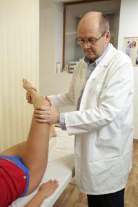 fájdalom a térd endoprotezisében)