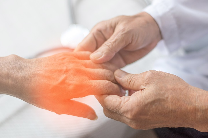 miért fáj a jobb kéz ízülete)