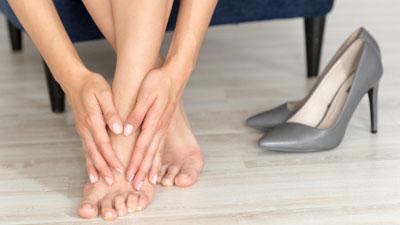 fájó láb és a lábak ízületei)