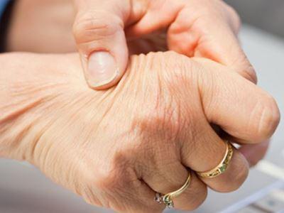 a kéz csontok és ízületek fájnak