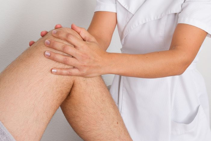 mi okozza a térdízületek sérülését