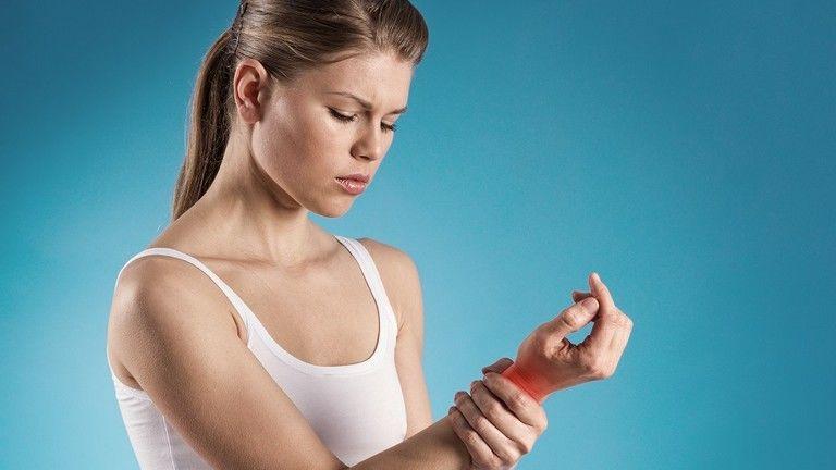 hogyan lehet enyhíteni az ízületi fájdalmakat megfázással)