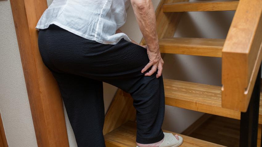 térdízület ödéma artrózissal a bokakötések rugalmas kötésének károsodása