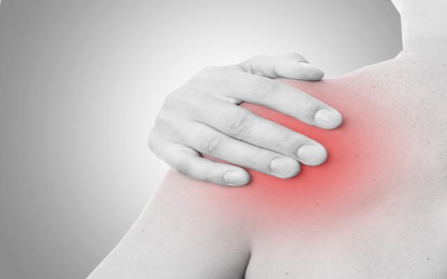 rheumatoid arthritis kar vállán