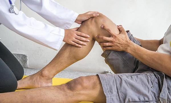terápiás gyakorlatok térdfájdalomra a könyökcsont fáj