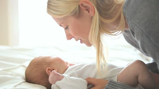 ízületi fájdalom okai a szülés után