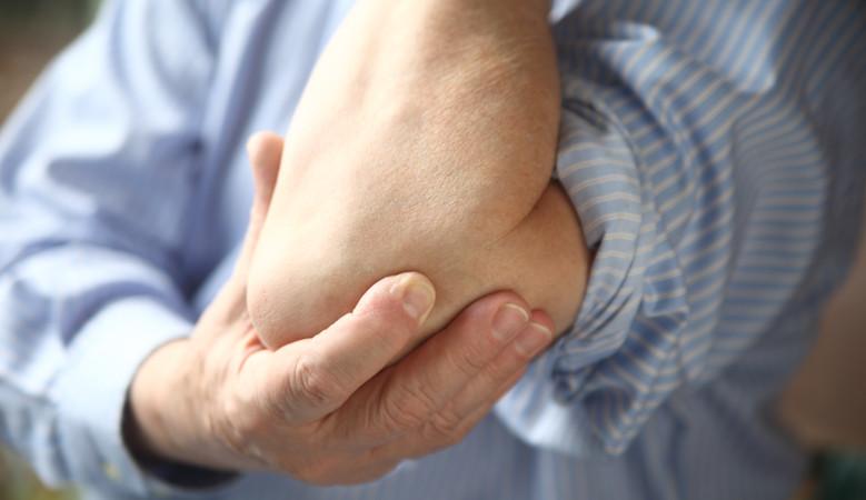 a kéz könyökfájdalma a kezelést okozza